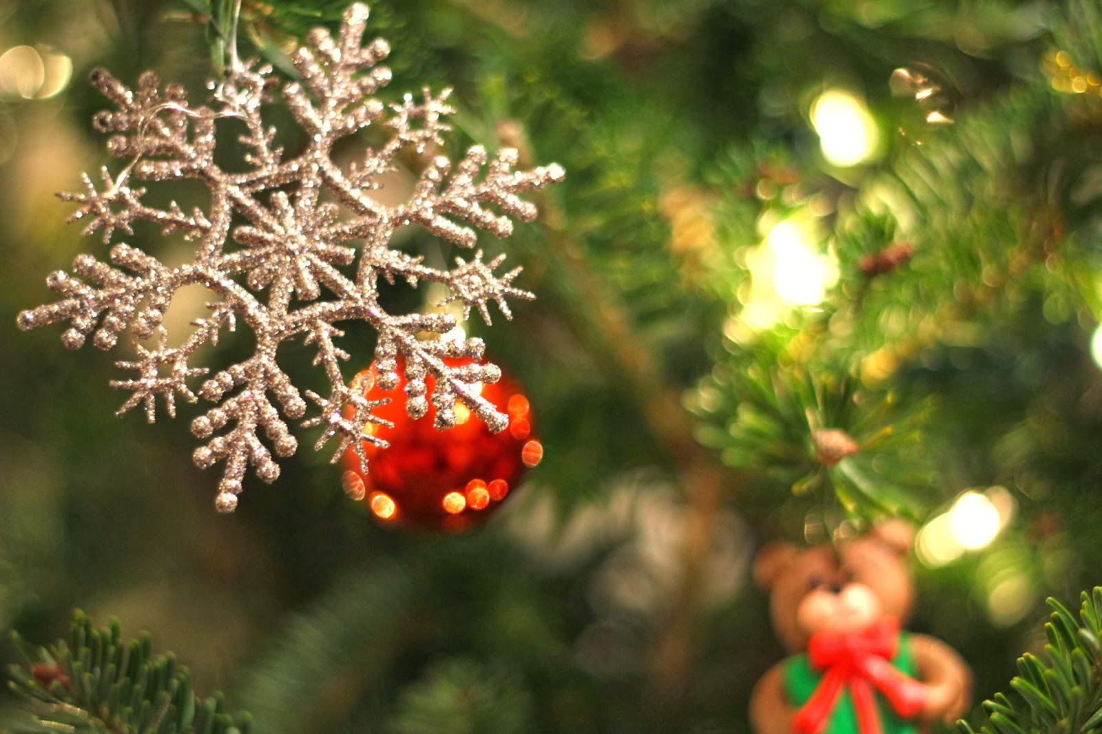 4 สีความหมายดีประจำวันคริสต์มาส