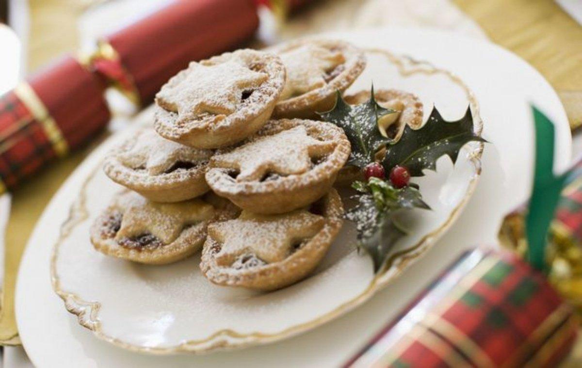 การเตรียมขนมและนมให้กับซานต้า